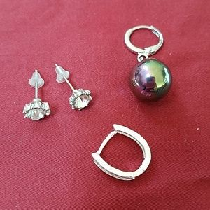 Lot of 4 Earrings Total